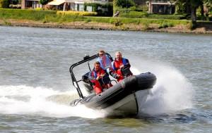 Dordrecht Kuipershaven Business spel met snelle boot 31-8-2012 Foto : Rinie Boon